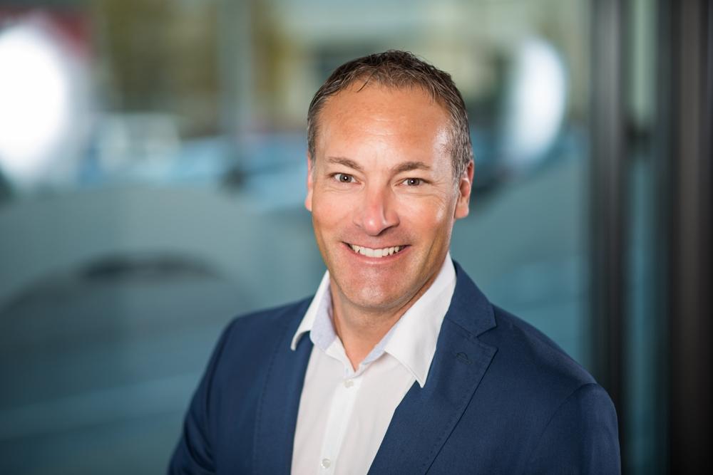 Im Interview: Adrian Bieri, Geschäftsinhaber RAUMUNDDESIGN Innenarchitektur/Flächenmanagement AG. Abbildung: RAUMUNDDESIGN