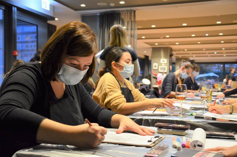 Ein Teamevent mit hohem Spassfaktor: Handlettering. Abbildung: ArtNight Schweiz