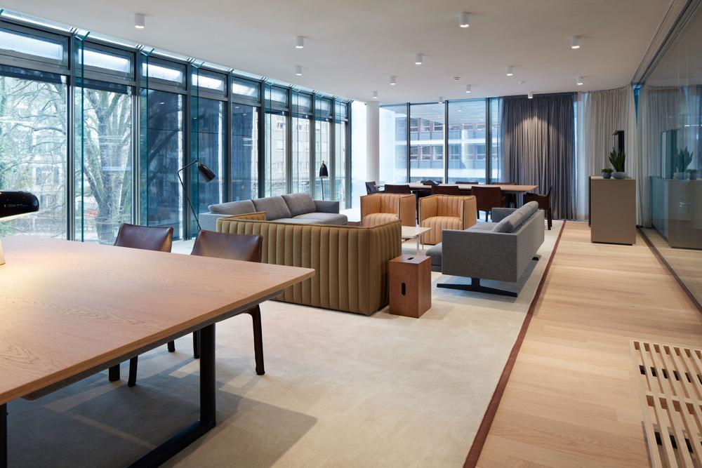 Loungemöbel für zeitgemässe Meetings. Abbildung: EF Education