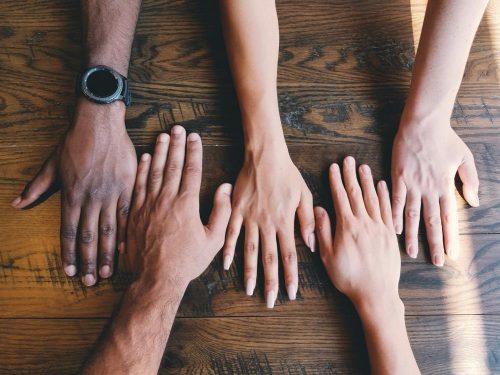 Inklusion und Diversität werden wichtiger in Zukunft. Abbildung: Clay Banks/Unsplash