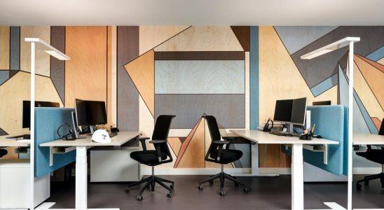 Farbenfrohe und ergonomische Arbeitsplätze für das Team der Kongresshaus Zürich AG. Abbildung: Pierre Kellenberger
